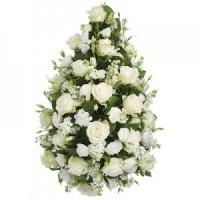 Венец за погребение от бели рози