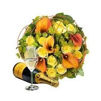 Очарователен Златен Букет и Шампанско