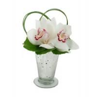 Елегантни орхидеи в аранжировка