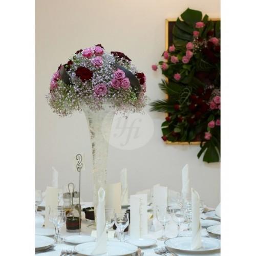 Аранжировка за маса с розови рози A27