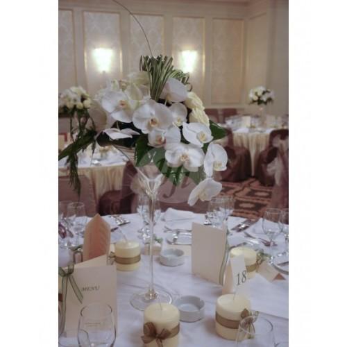 Аранжировка за маса с орхидея A18