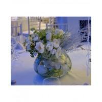 Аранжировка за маса в бяло лалета и люляк