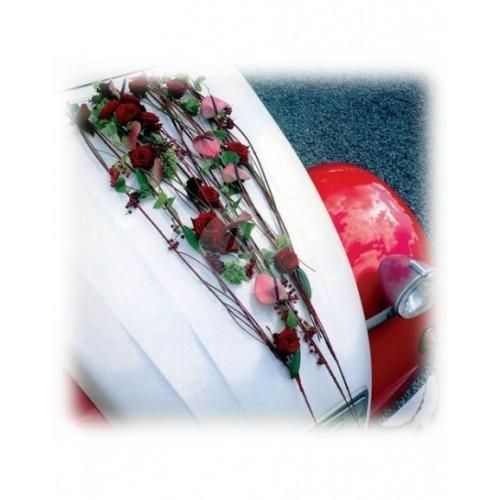Аранжировка за кола от рози и антуриуми М13