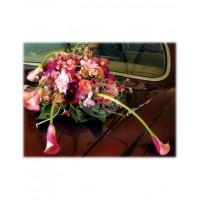 Аранжировка за автомобил кала и орхидеи M8