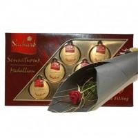 Червена роза и шоколади!