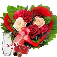 """Букет от рози """"За Теб"""", ваза и шоколади"""