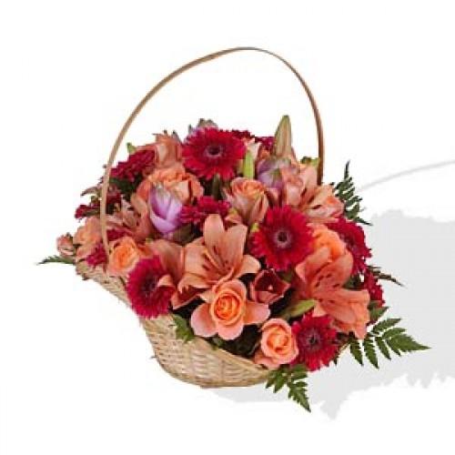 """Кошница с цветя """"Свежо Поздравление"""""""