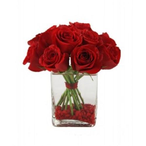 Паве от червени рози