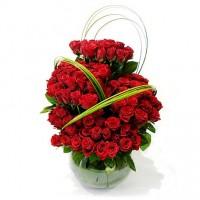 Цветна  аранжировка от 101 рози